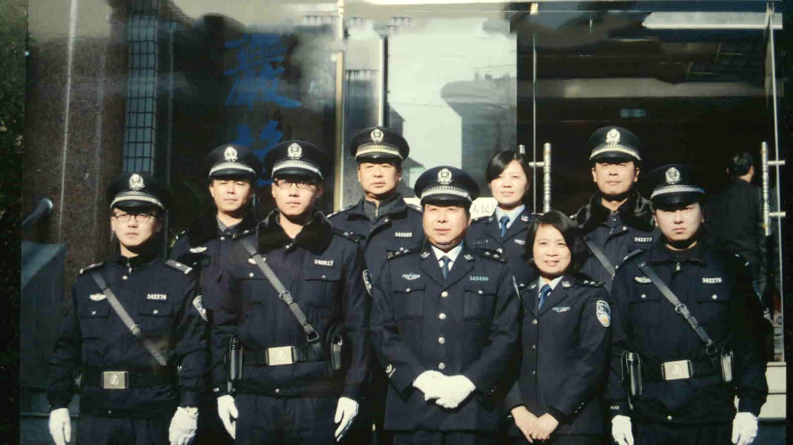 安庆法警向中国出版传媒网《法治中国》频道致意